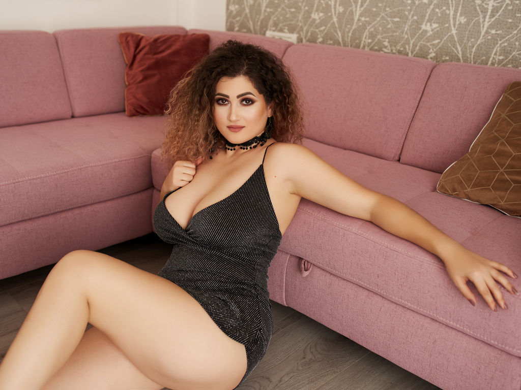seleneroyale live sex chat
