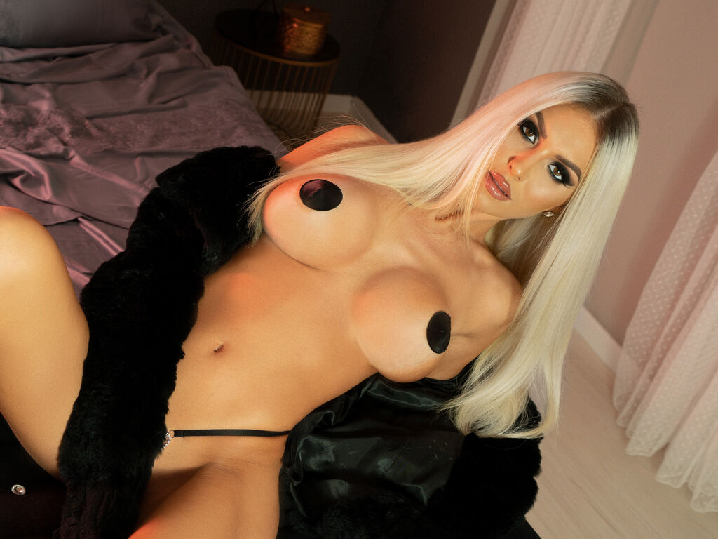 hornyblonde1 liveprivate
