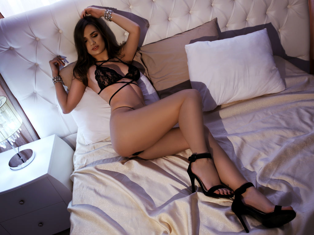 sensuouskara sex in live
