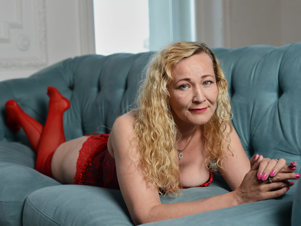 miletinaallen live sex chat