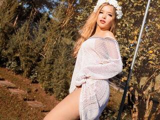 Hi, I am LarissaMaia and I am 20 years and online right now on webcamsfan.com - I like open-minded people, willing to experiment and play with everything, I like funny and naughty people, kind and patient people, I love to sing and dance, and I love deeply touching my body to make you happy.