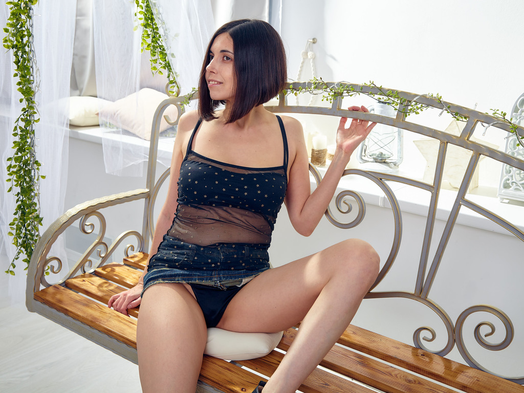 froliccat adult live sex and chat