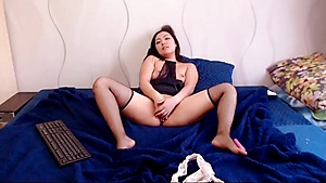 Cutie And Her Gentle Masturbation Show