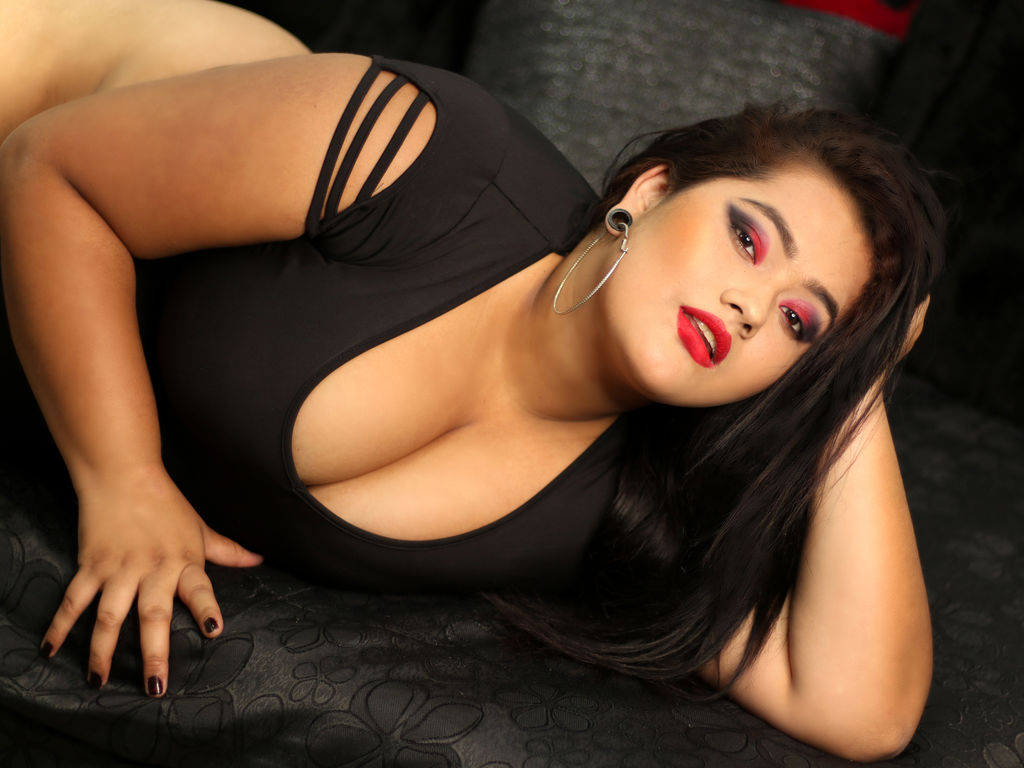 Webcam model FiorelaTaylor from Web Night Cam (LiveJasmin)