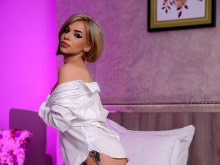 Webcam model MilaMegan from Web Night Cam