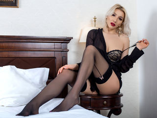 Webcam model CyraVelvet from Web Night Cam