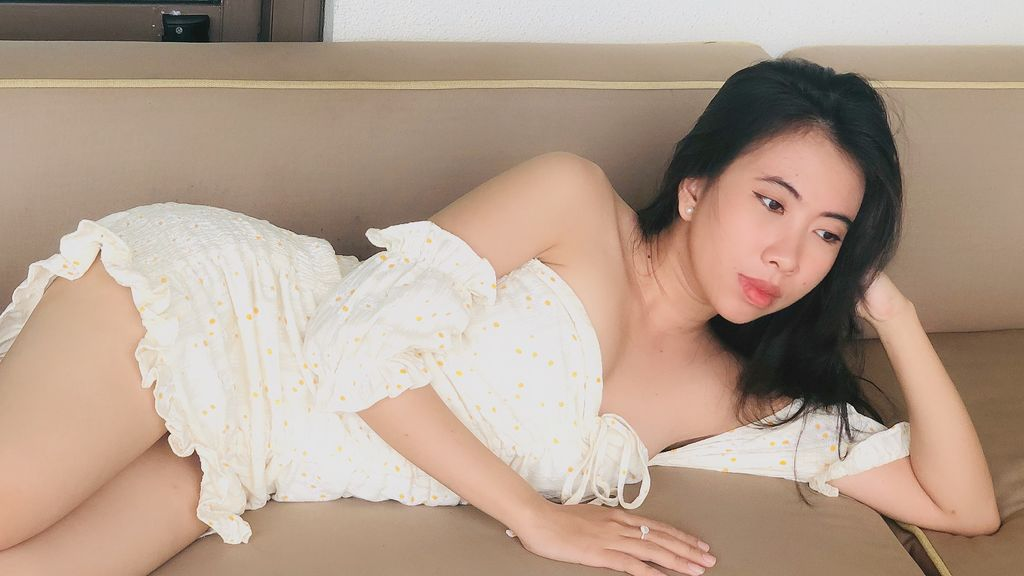 KimHelen at LiveJasmin