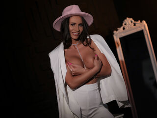 I'm 28 Yrs Old, I Have Black Hair, My Name Is CarollineFox
