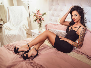 Webcam model AmyraMilles from Web Night Cam