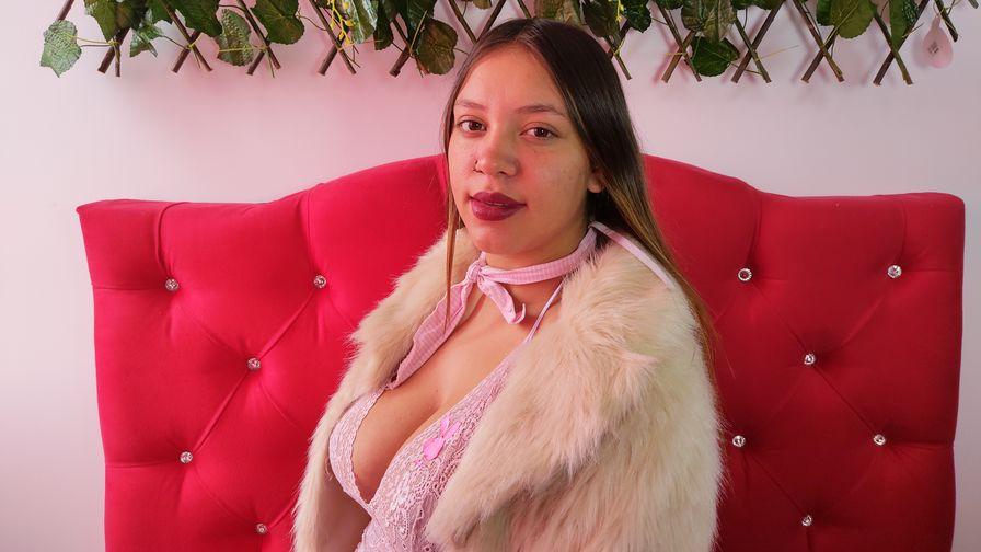 Chat with CarlaSabrina