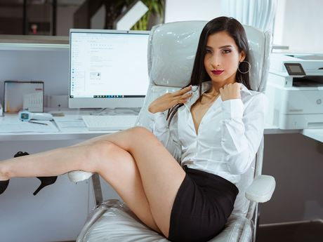 Chat with VictoriaMayer