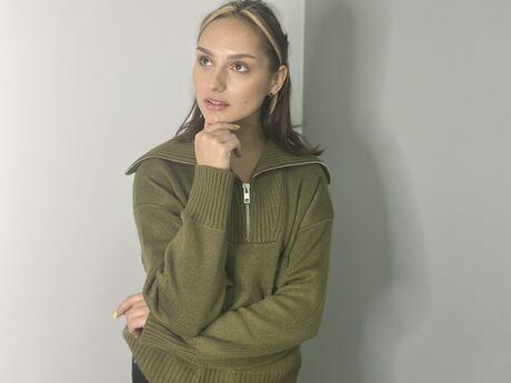 Chat with AngelaBartoli