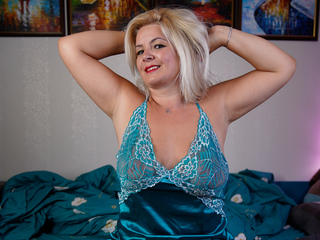 Webcam model AlyScarlett from Web Night Cam