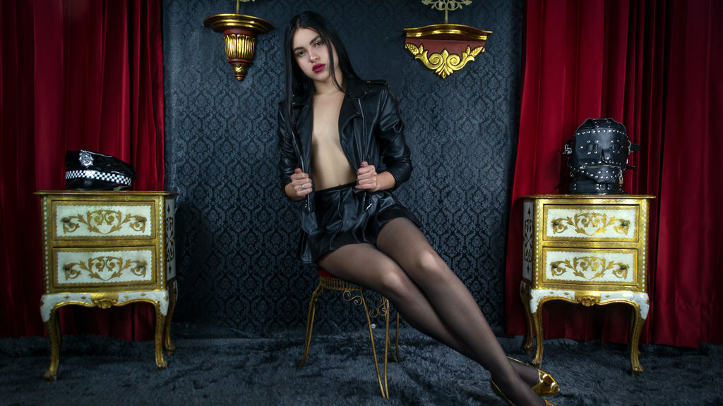 Watch the sexy SamiraRicci from LiveJasmin at GirlsOfJasmin