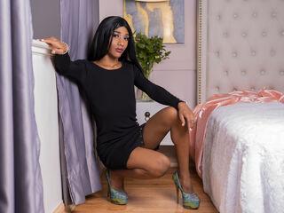 IssabelleJordan lesbian seduction live cam