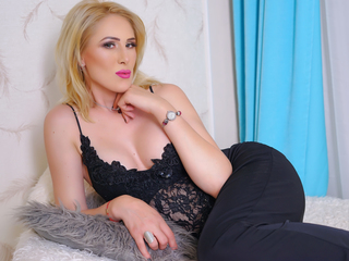 Webcam model ErikaDuval from Web Night Cam