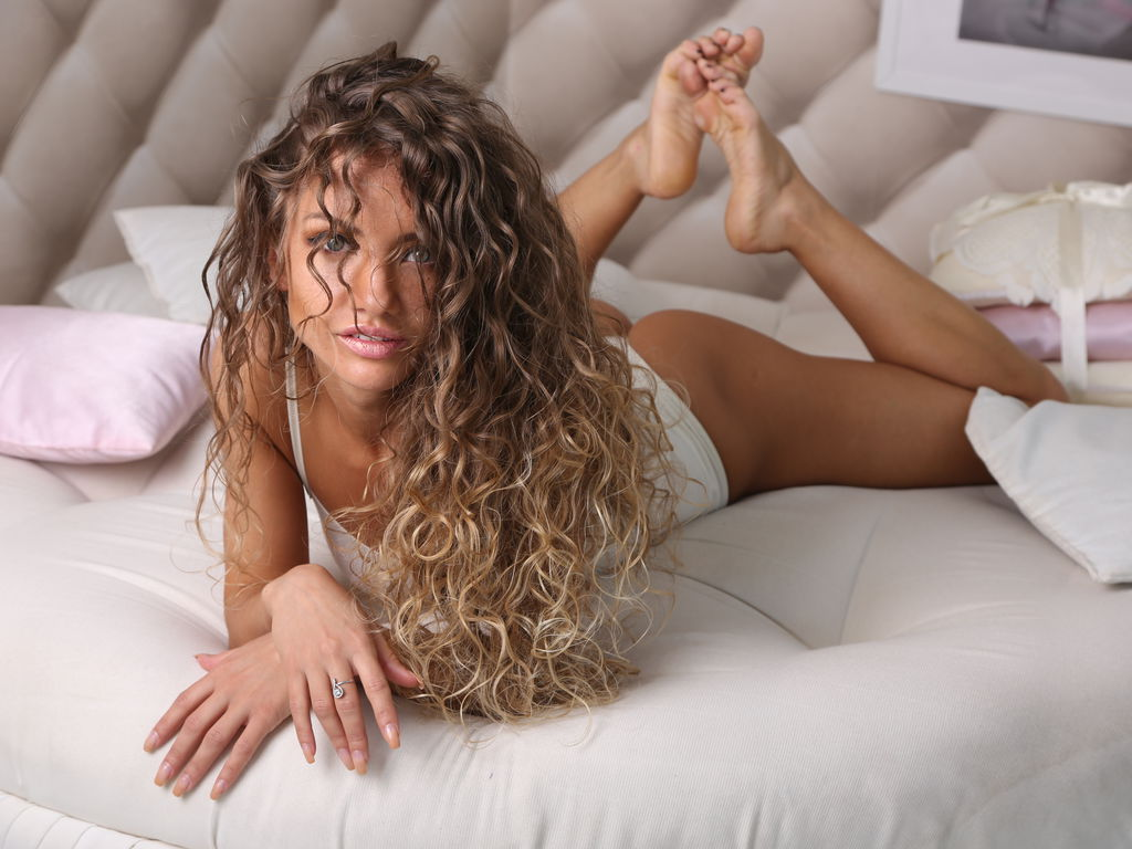 Webcam model AlisaTramp from Web Night Cam (LiveJasmin)