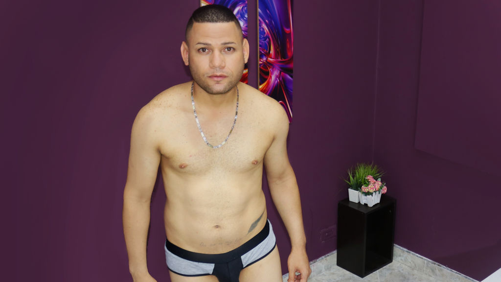 KevinMcklein webcam show