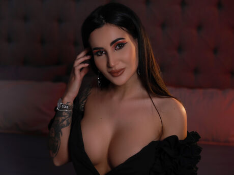 Chat with AmberCanberra