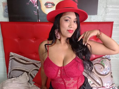 Chat with VivianeLopez
