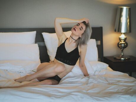 Chat with AmelieUrDream
