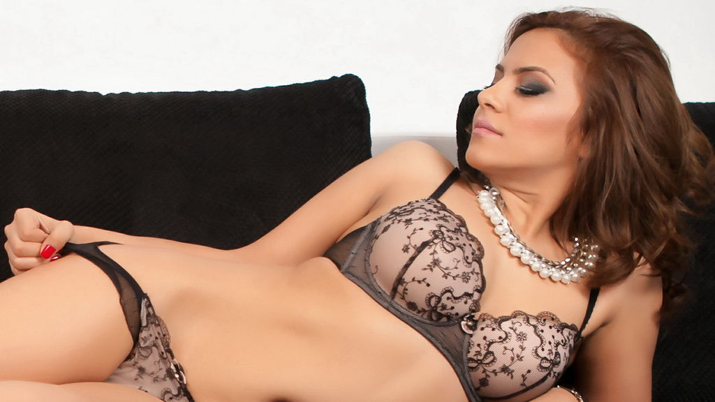 AngelDevine LiveJasmin Webcam Model