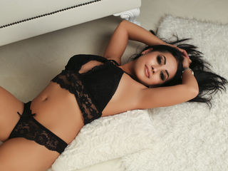 26 petite white female black hair brown eyes HeidiTaylor chat room