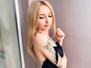 Webcam model MinnieMarissa from Web Night Cam