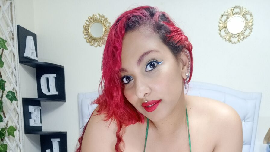 Chat with AlondraMoore