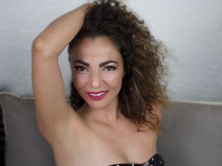 Webcam model MayaMedina from Web Night Cam