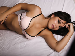 Webcam model TheresaFuentes from Web Night Cam
