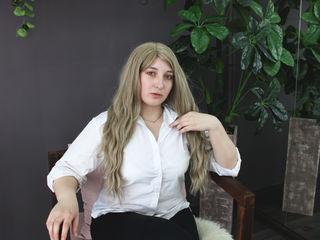 MonikaSkinner photo