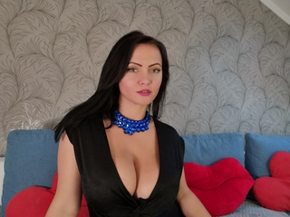 Webcam model natashabullet from Web Night Cam