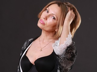 HelenKristen - hot and sexy Hungarian mail-order bride