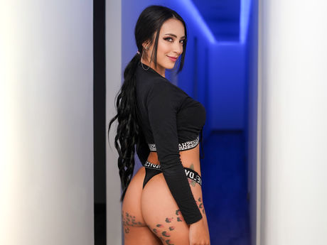 Chat with TatianaCollins