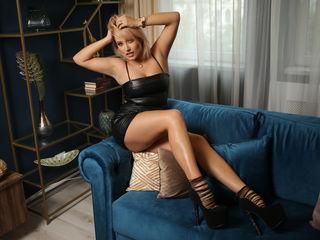 Sexy profile pic of AmaliaVixen