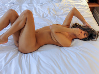 Webcam model MathildaLian from Web Night Cam