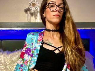 AdrianaDenise cam model profile picture