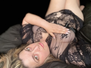Webcam model ElizabethSno from Web Night Cam
