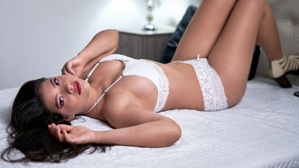 Watch the sexy MeyeEvanson from LiveJasmin at GirlsOfJasmin