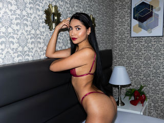 IvetteBrown's live cam
