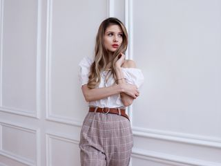 Chat with JulieFalls