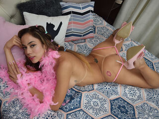 Webcam model PrettyZara from Web Night Cam