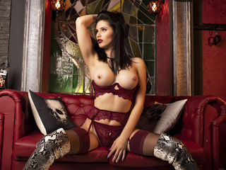 Sexy profile pic of GlamyAnya