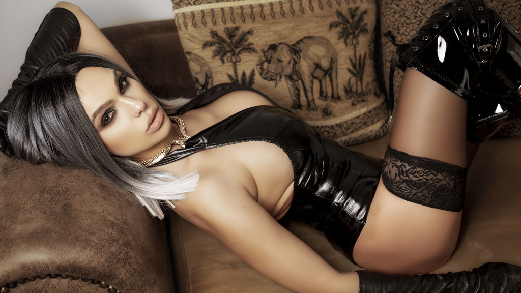 Cam Performer KimberStones is online for chat