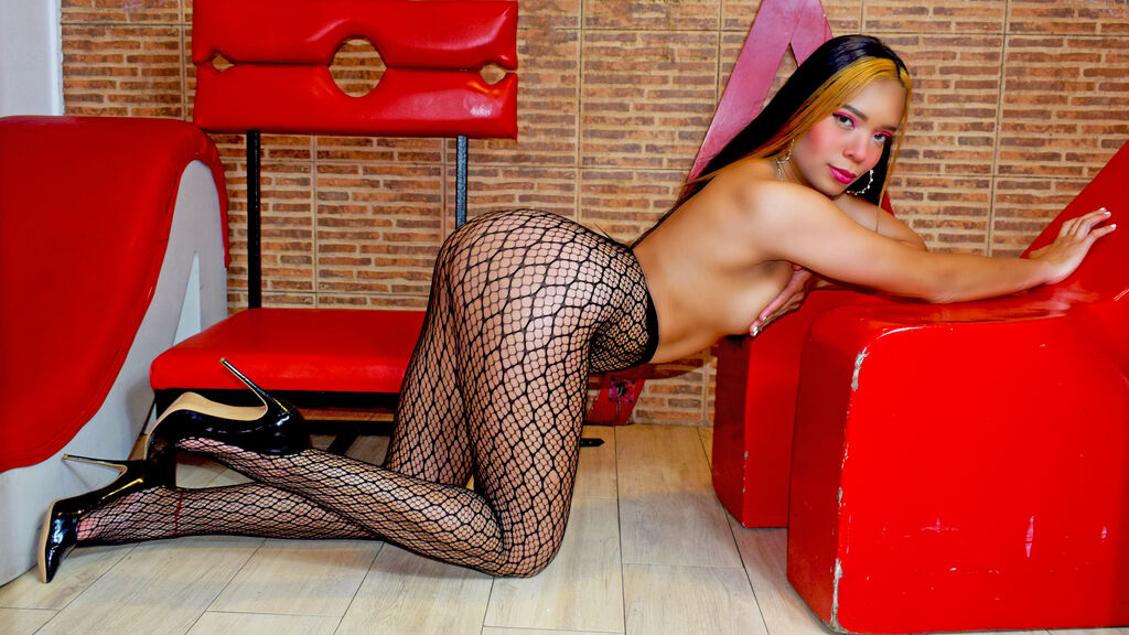 Watch the sexy AliciaLewis from LiveJasmin at GirlsOfJasmin