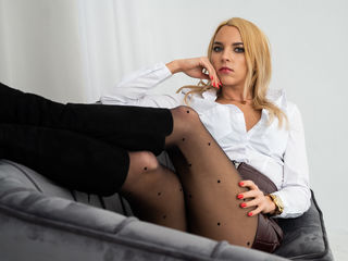 Webcam model CarolinePol from Web Night Cam