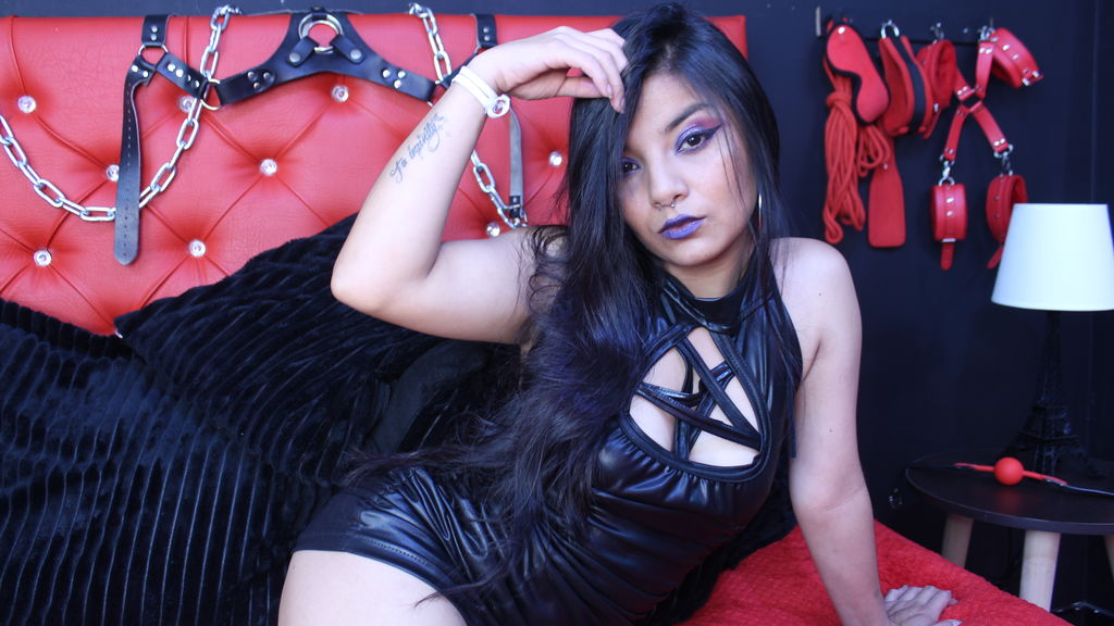 Watch the sexy SamiMasoch from LiveJasmin at GirlsOfJasmin