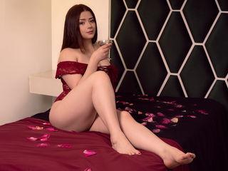 Sexy profile pic of AylinCastle