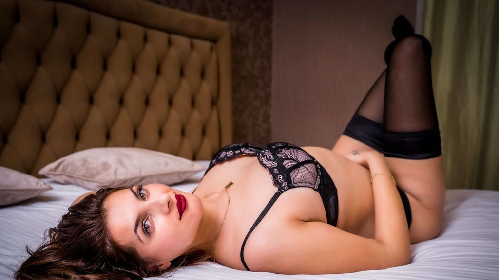 Watch the sexy CallieDeliwin from LiveJasmin at GirlsOfJasmin